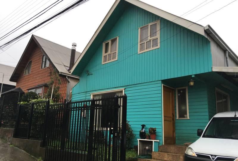 Casa individual en buen sector Castro