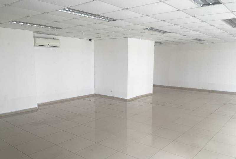 Arriendo local comercial Strip center Castro
