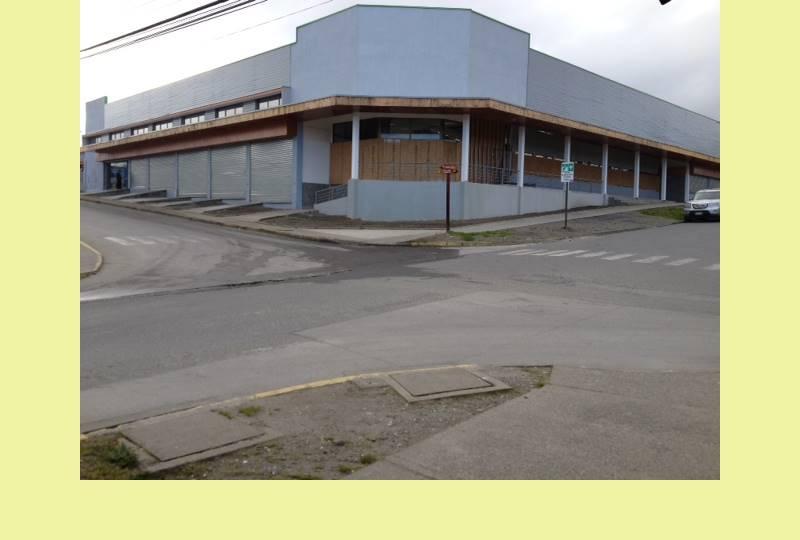 Se arrienda oficinas en centro comercial Quellón